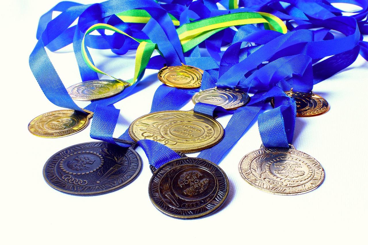 מדליות בחריטה אישית: היכן ניתן לקנות באינטרנט?