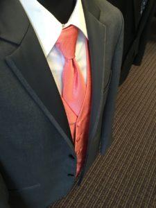 עניבה ורודה