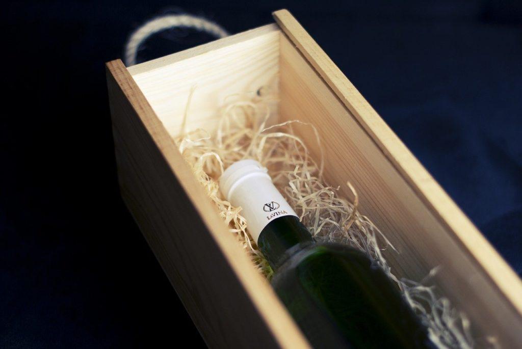 בקבוק בקופסה