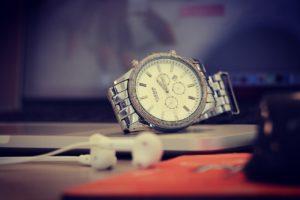 שעון כסוף